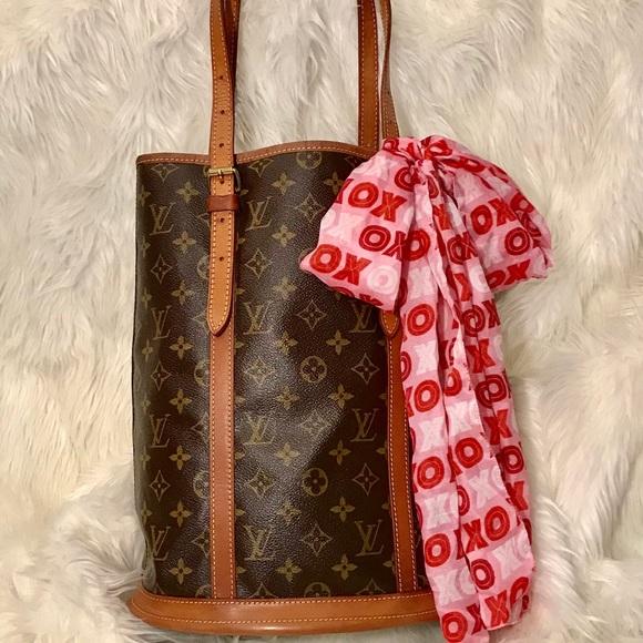 d21591d2315b Louis Vuitton Handbags - 💕SALE💕 Louis Vuitton Monogram Bucket Bag GM